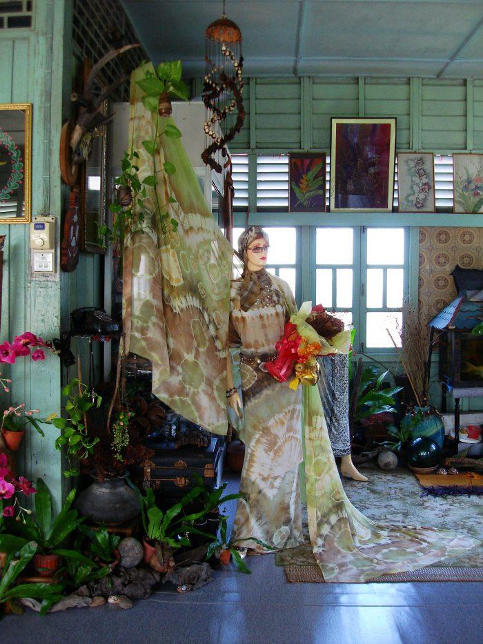 Nature Dyes Batik Designer in Kelantan Malaysia~ Aziz Awang