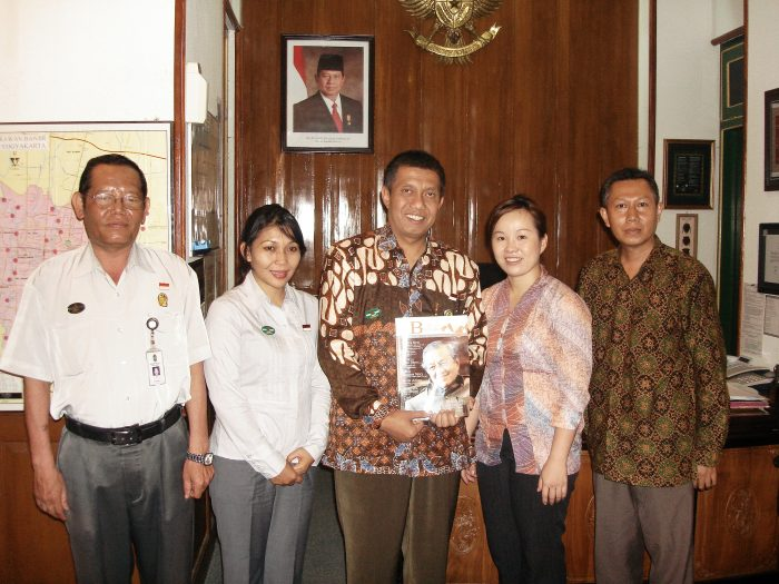 from left to right officer from government Mayor of Jogjakarta (centre) Emilia Tan and Director of Pekalongan Museum Zahir