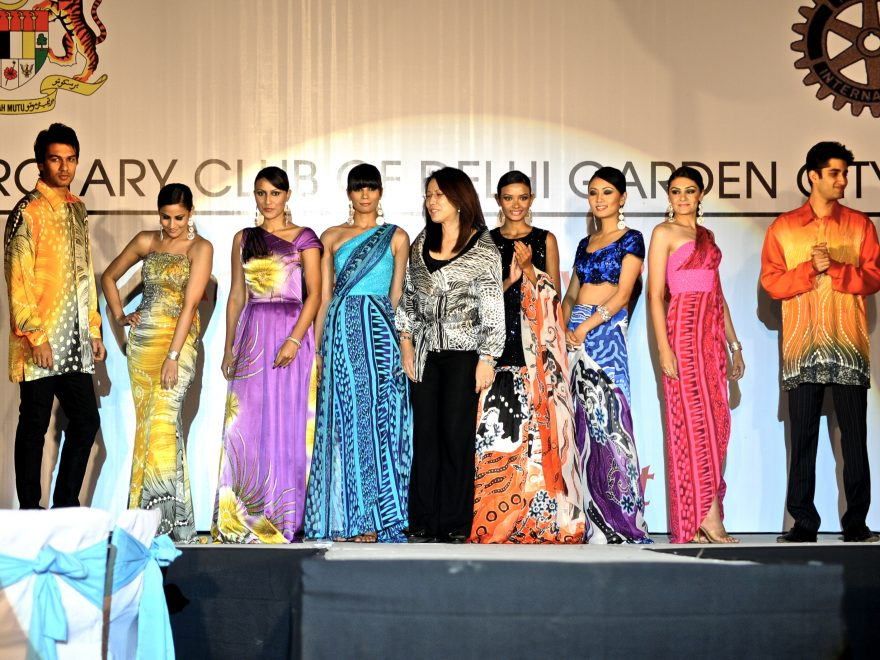 Batik Fashion Designer – Page 2 – MYBATIK MAGAZINE f14ff0e93b