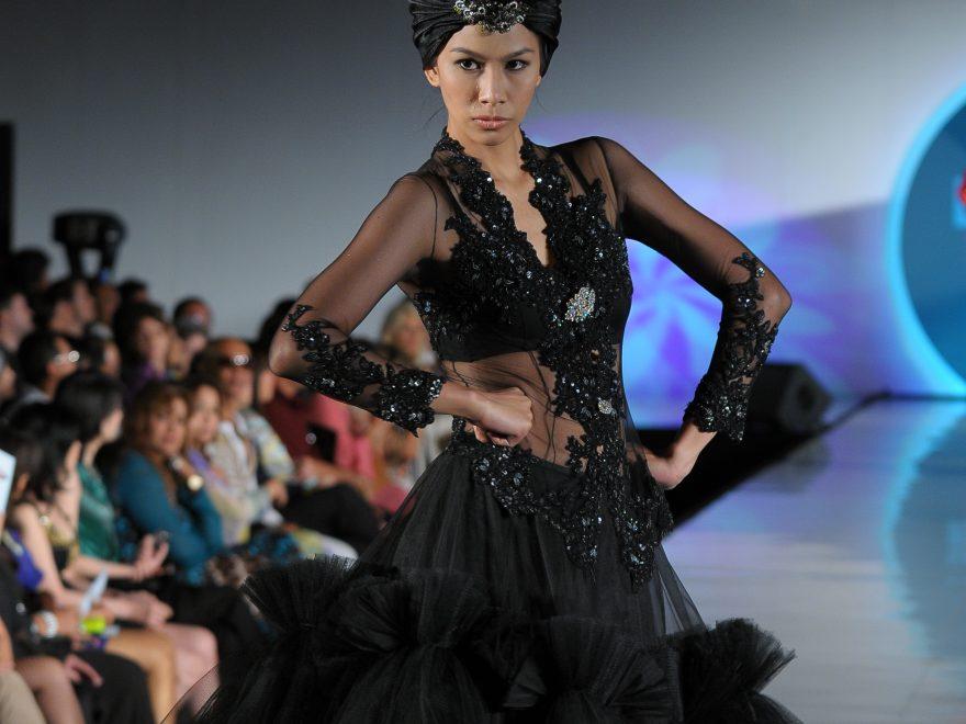 Bill Keith ~ turn the traditional Kebaya to Contemporary style – MYBATIK  MAGAZINE 2f1aff659a